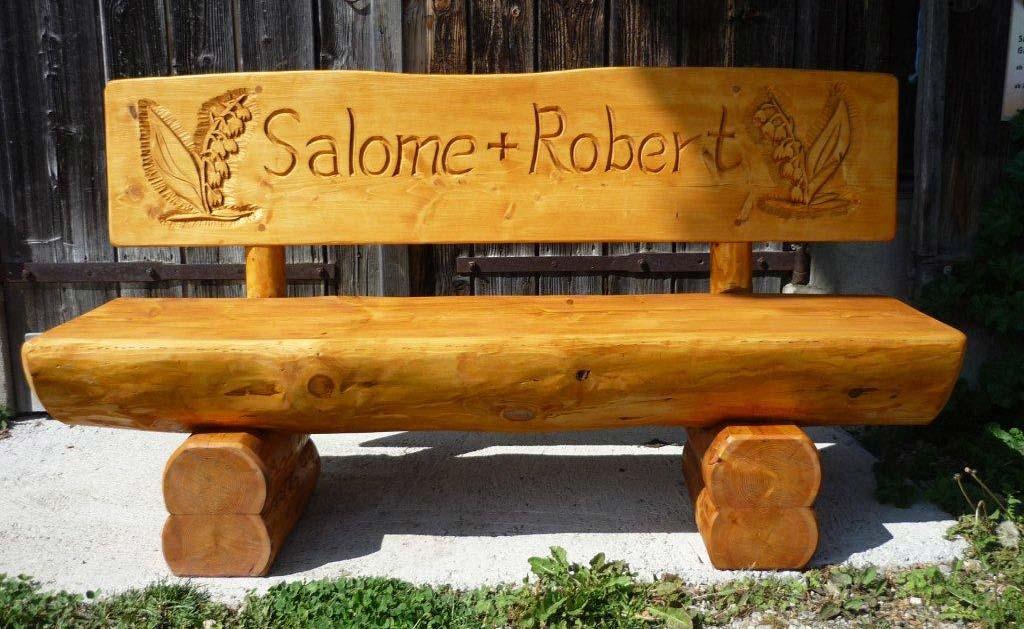 Holzbank Salome und Robert