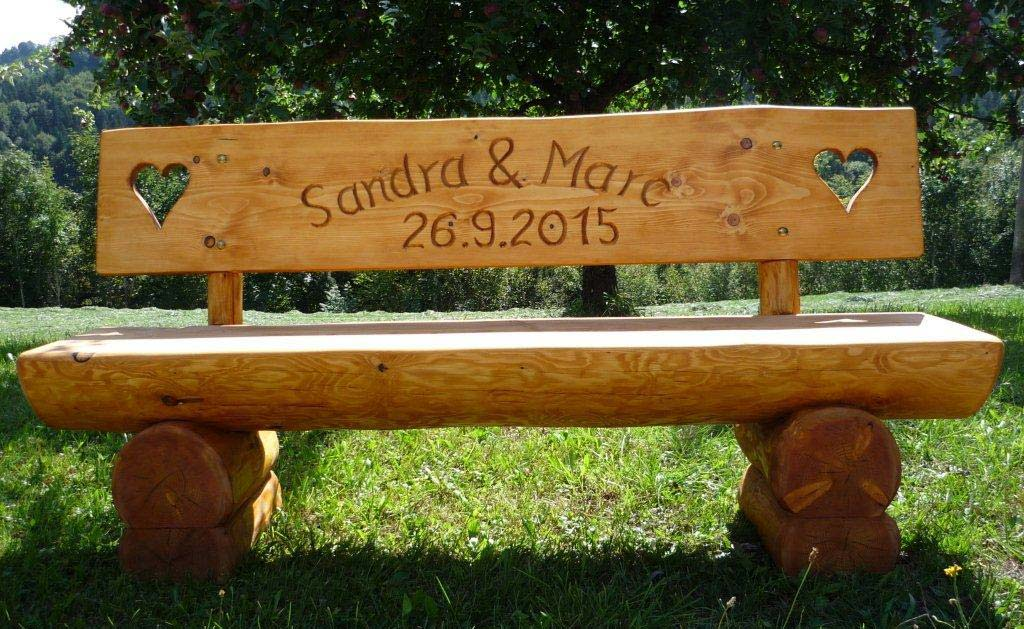 Holzbank Sandra und Marc