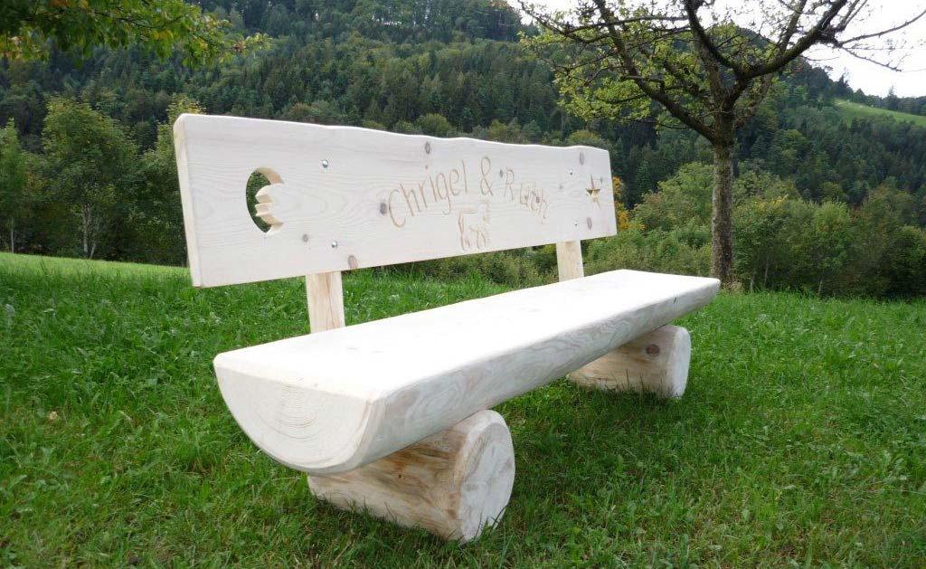 Holzbank unbearbeitet